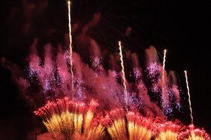 일본 최고의 불꽃놀이 (하나비-花火) 장인을 뽑는 불꽃놀이 대회 – 오마가리 하나비 대회