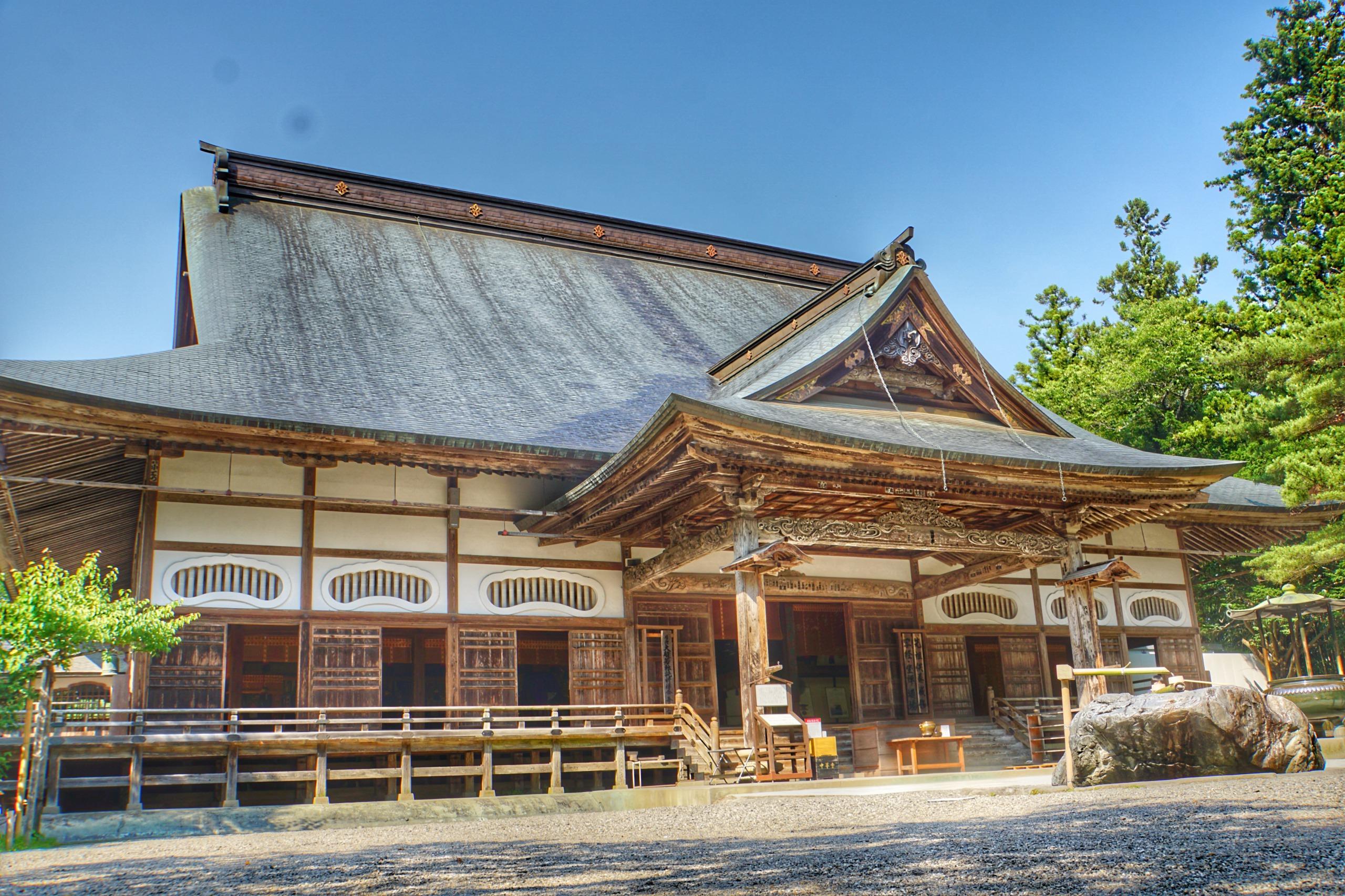 Visiting the historic monuments and sites of Hiraizumi, The Sekiyama Buddhist Temple
