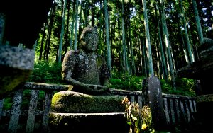 10体の石像が並ぶ「片倉家廟所」の魅力を探求