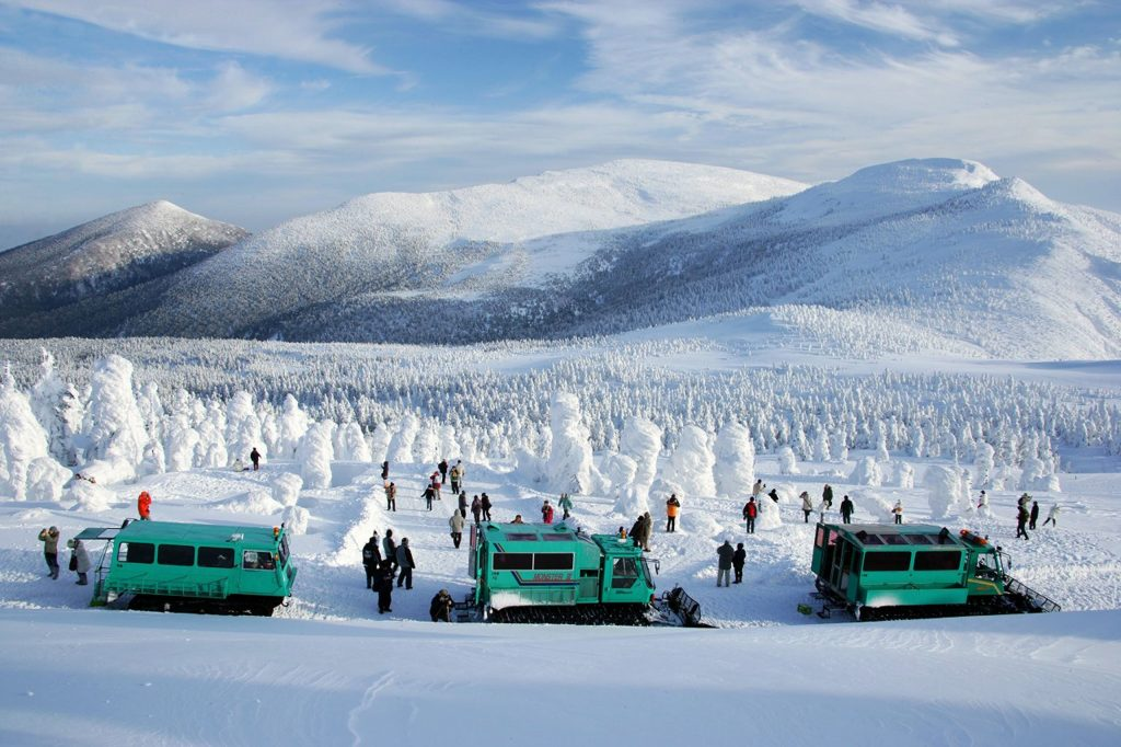 A model course for two days and one night for families to enjoy the soft rime (Miyagi) from a snowmobile