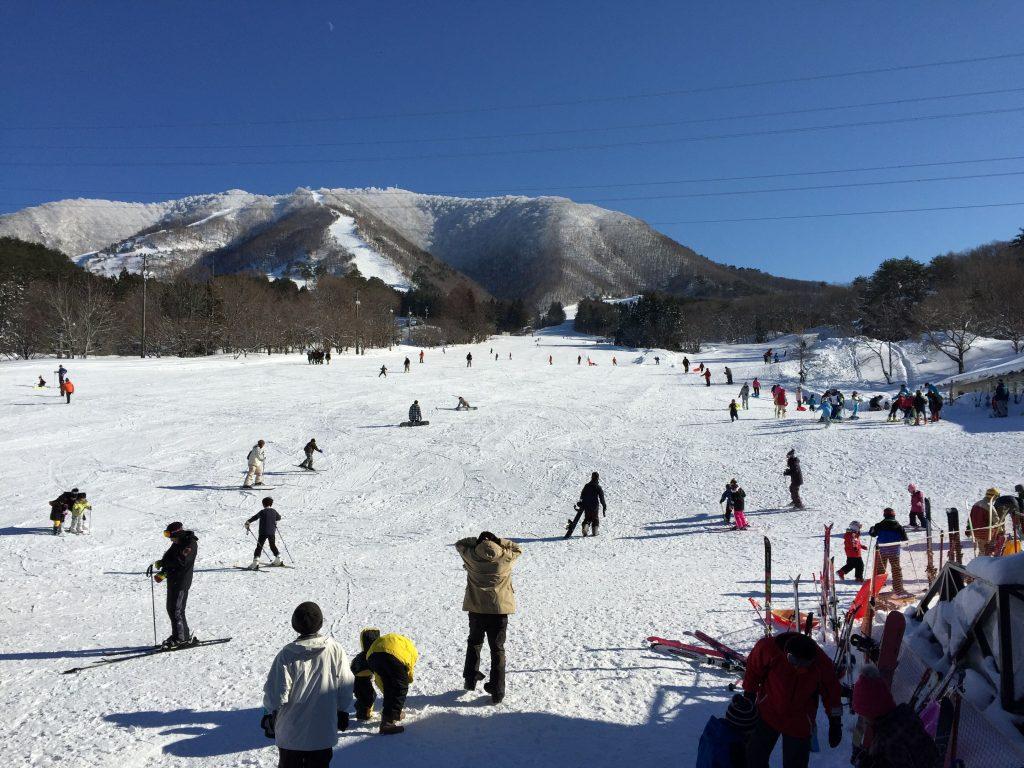 """[ฤดูหนาวปี2020]เนินลาดเอียงแบบสบายๆ วิธีการเดินทางไปยัง """"ลานสกีมิยางิซาโอชิจิคาชุคุ"""" &แหล่งที่พักแนะนำ"""